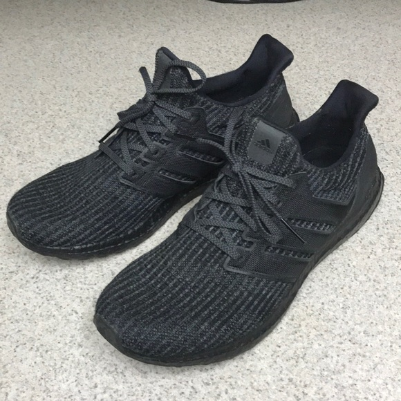 ADIDAS ULTRA BOOST 4.0 triple black Size 8 Sold Out Limited